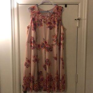 Plus size floral sleeveless dress
